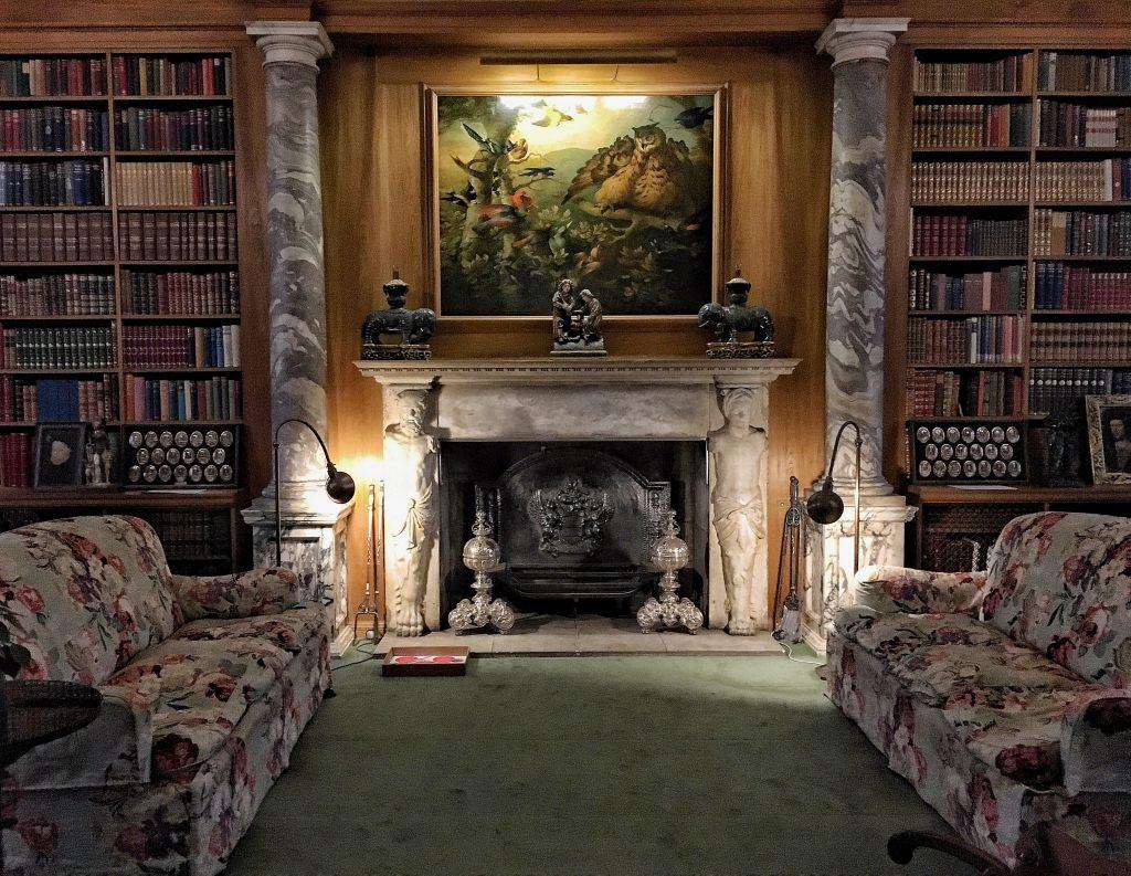 la biblioteca di Anglesey Abbey