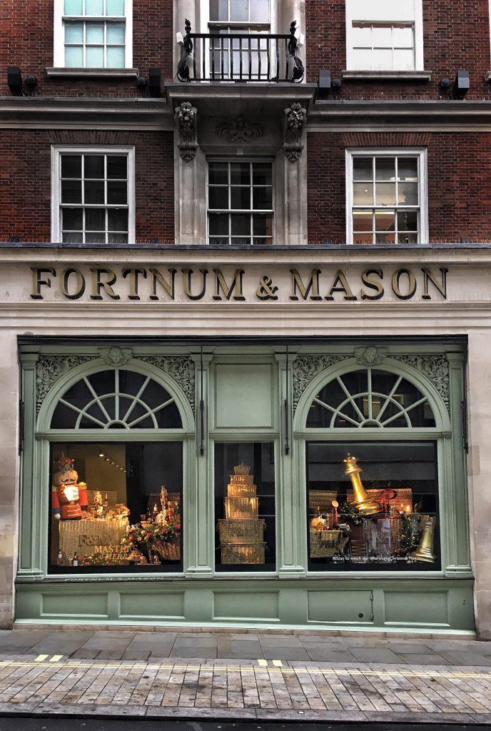 Per uno shopping un pò speciale: i più antichi negozi di Londra