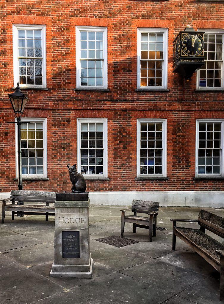 Fatti curiosi di Londra: il gatto di Samuel Johnson mangiava regolarmente ostriche