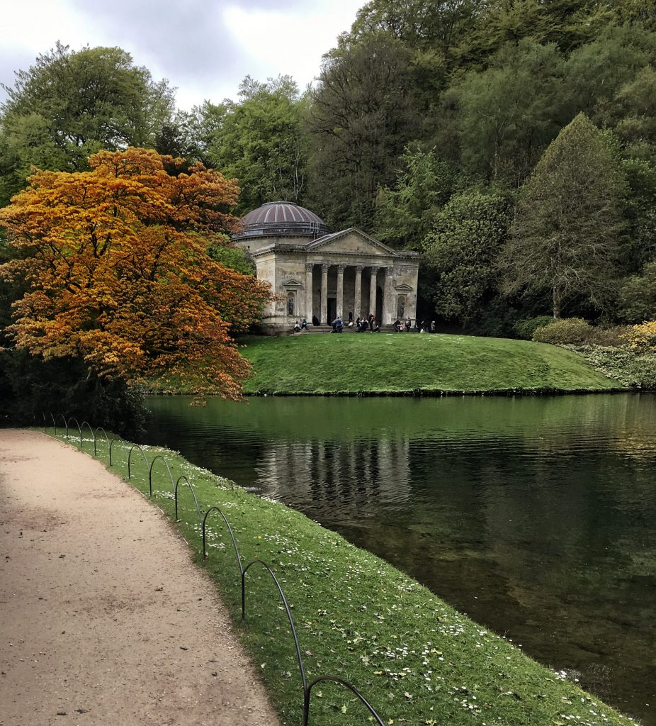 Stourhead nel Wiltshire è considerato uno dei più bei giardini del Regno Unito