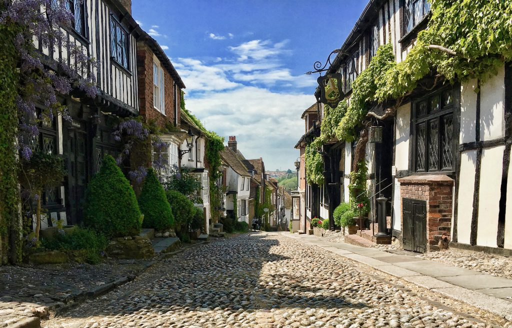 Mermaid Street a Rye nel Sussex è considerata una delle strade più belle d'Inghilterra