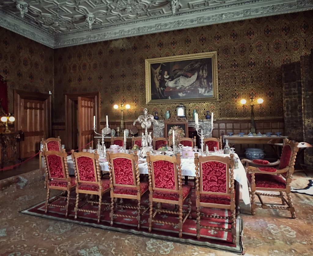 Dining room a Charlecote Park