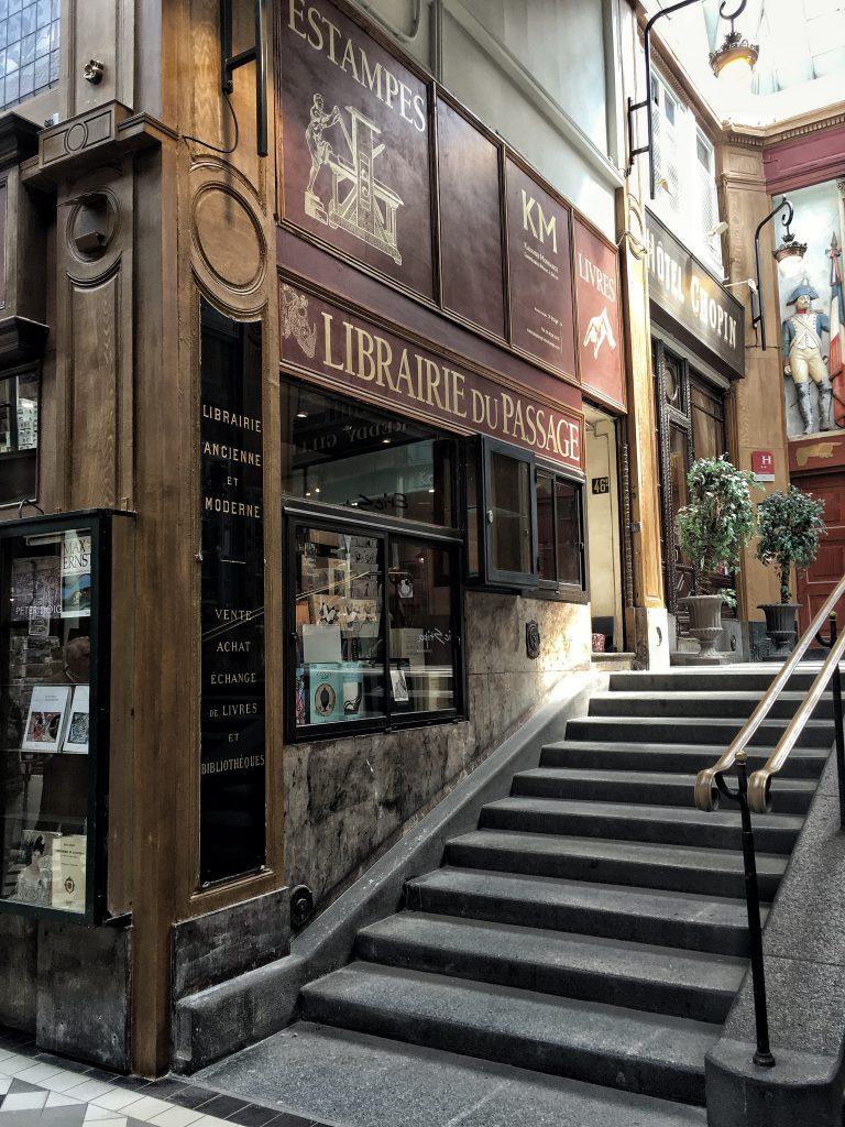 librerie du passage è una delle librerie più affascinanti di Parigi