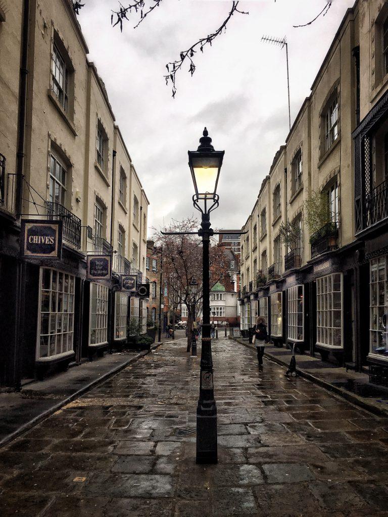una delle caratteristiche strade vittoriane di Londra: Woburn Walk