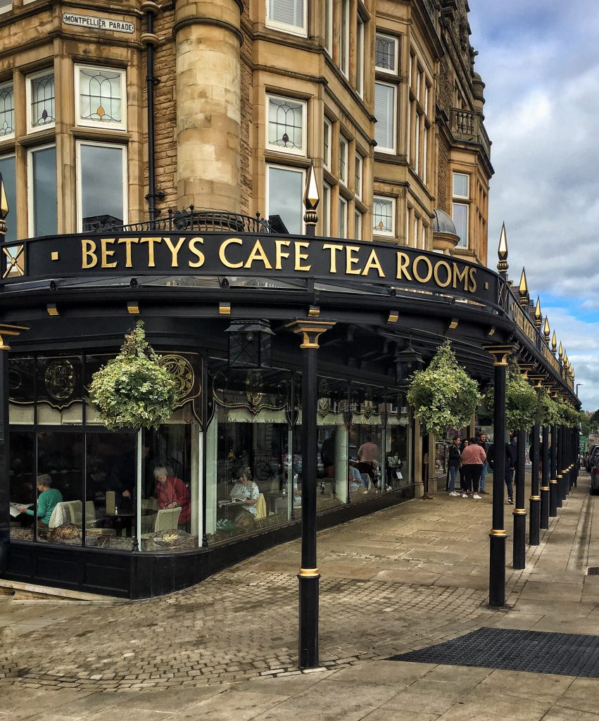 la tea room Bettys dove gustare un ottimo afternoon tea