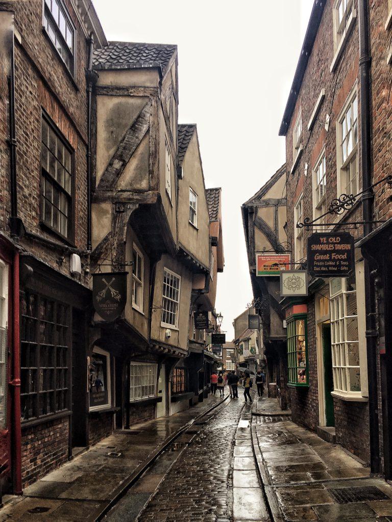 the shambles, la più affascinante strada medievale di York e d'Inghilterra