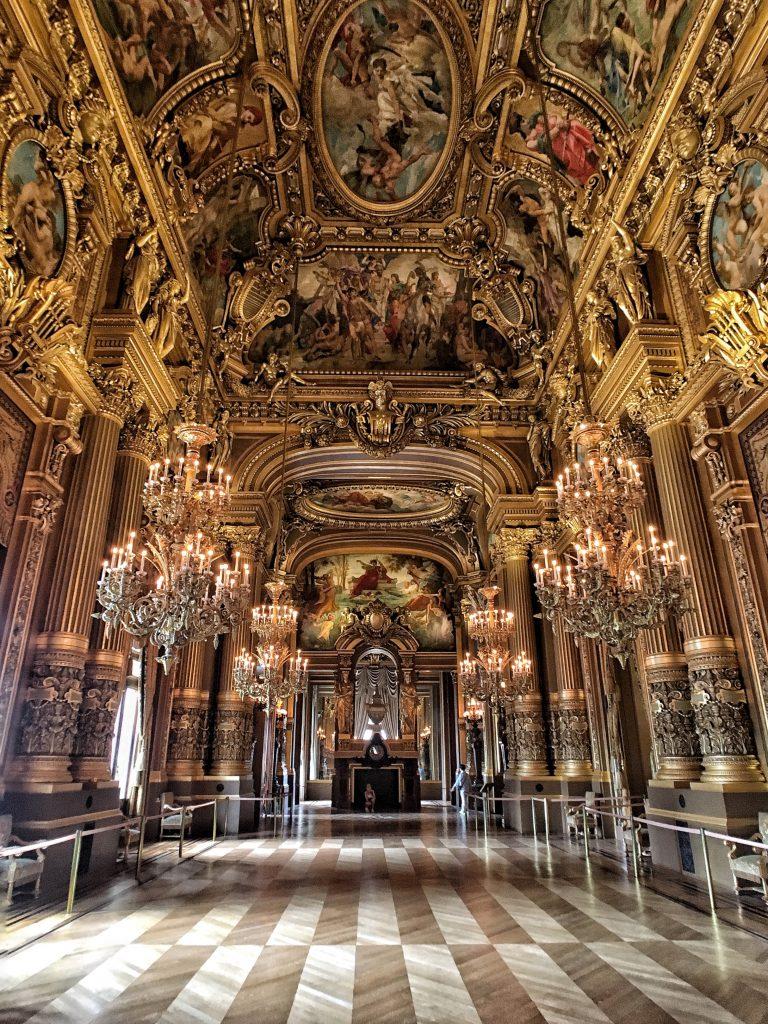 le grand Foyer dell'opera Garnier vi lascerà senza parole