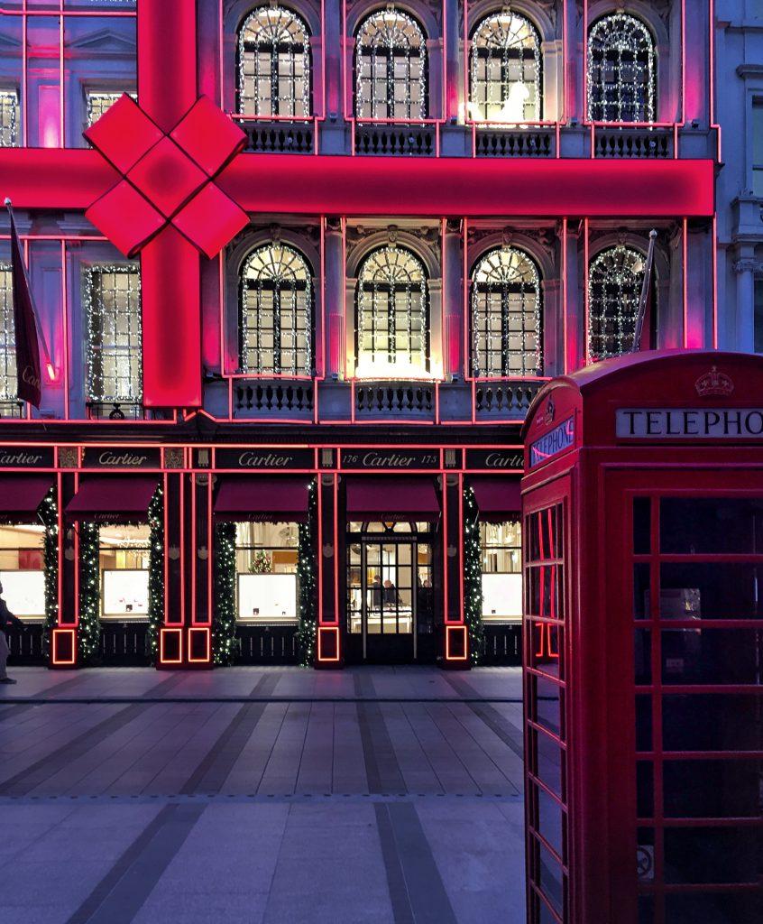 vetrine scintillanti in Bond street a Londra