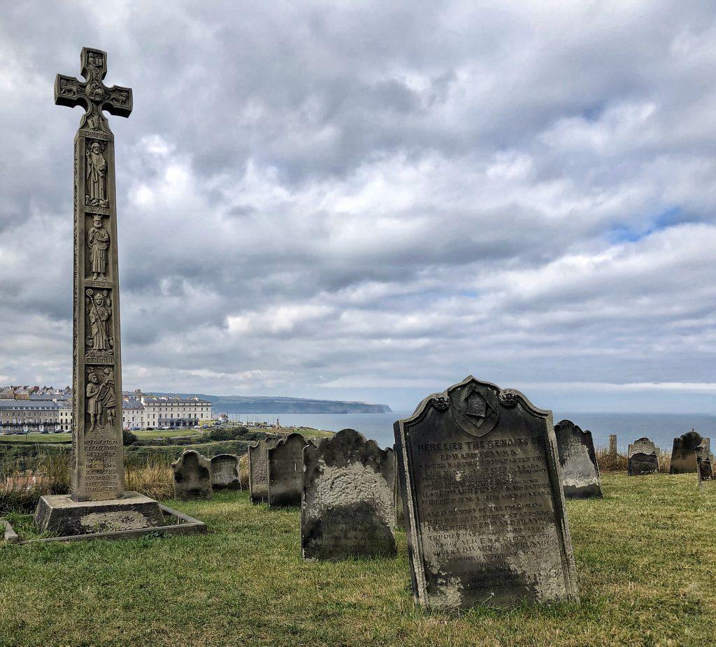 il cimitero della chiesa di St. Mary a Whitby