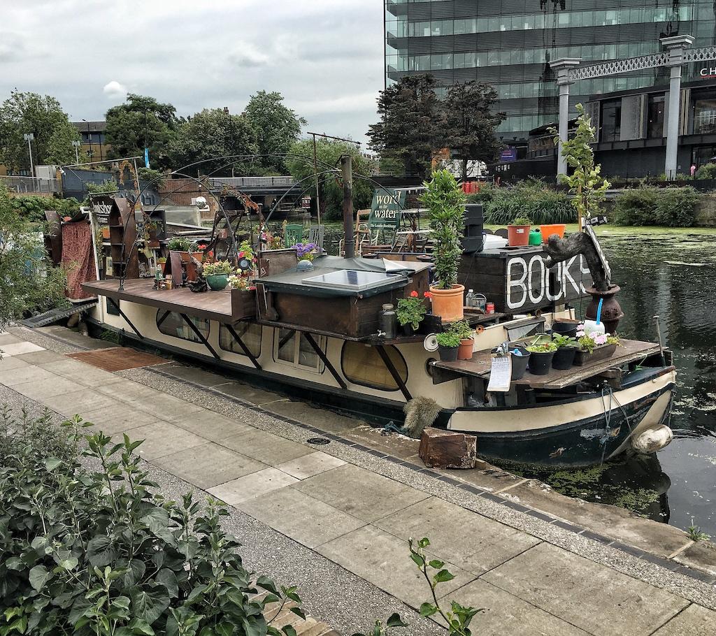 luoghi insoliti di Londra: la libreria galleggiante