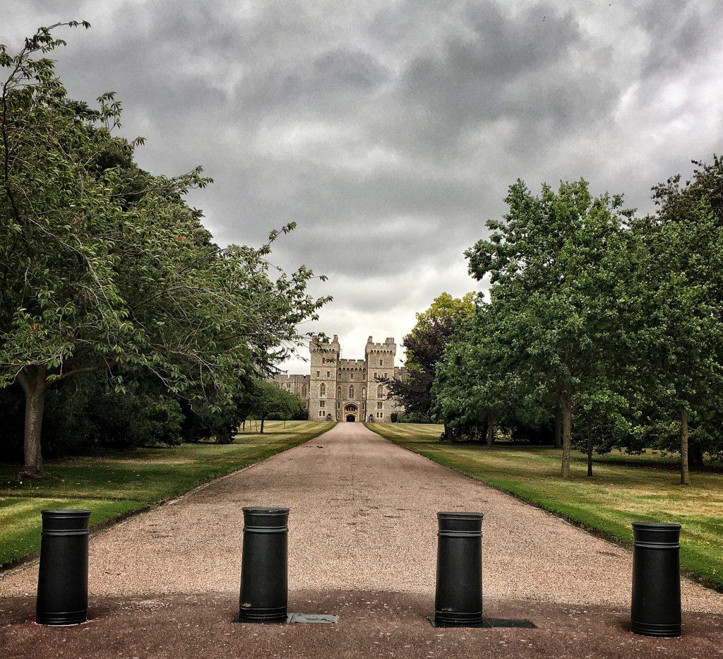 la Long Walk offre una bella vista del Castello di Windsor