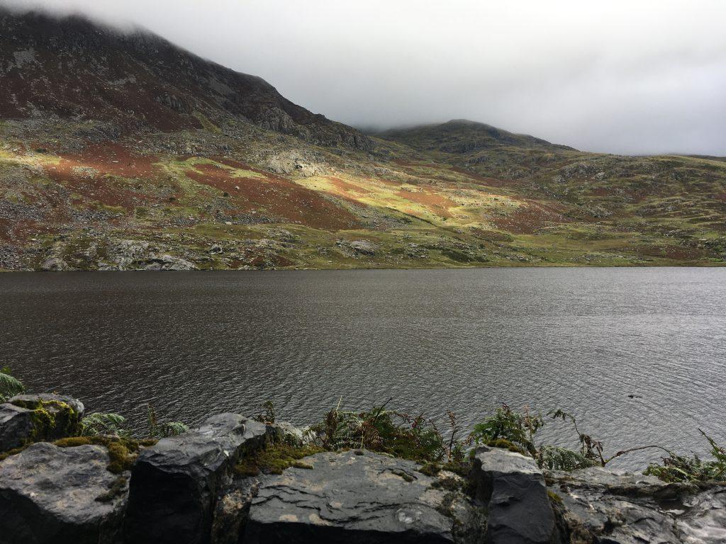 panorami a Snowdonia nel Nord del Galles