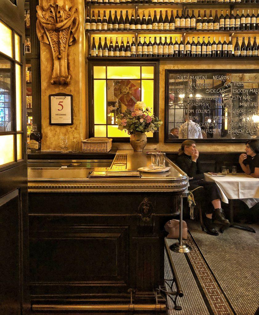 la brasserie Balthazar a Londra: interni anni '30.